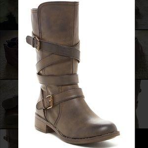Report Jesslyn Boots